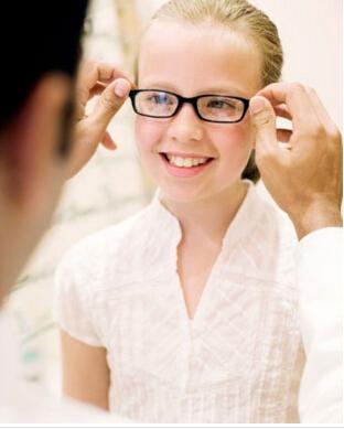 青少年近视眼散瞳后的注意事项