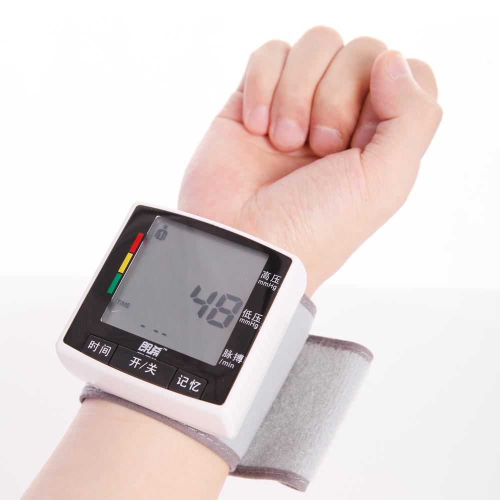 高血压患者用电子血压计测不出高压是什么原因图片