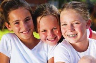 牙齿矫正让孩子笑得更自信