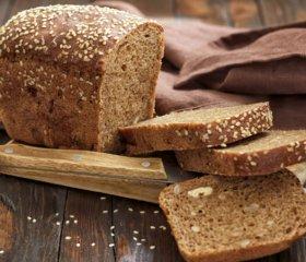 这样吃竟然能快速减肥 食用全麦面包和蔬果