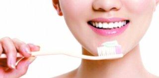 """美白牙膏不能把牙""""刷""""白"""
