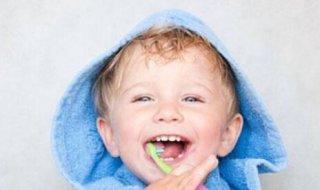 宝宝护牙要趁早