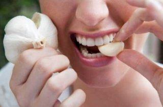 夏天吃大蒜有3个神奇功效