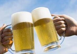 冰啤消暑是误传 七类人夏天不能喝冰啤
