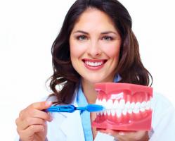 用劣质牙刷可能口腔癌皮肤转移