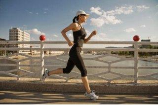 早晨跑步最减肥 夜晚跑步最解压