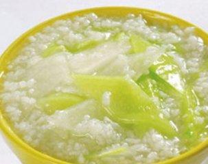 常喝大米黄瓜粥润肤祛斑减肥