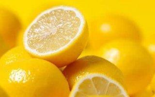 晨起一杯柠檬水有助于减肥