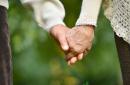 6大技巧告诉你怎样提高老年人性生活