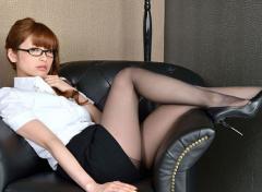 难抵办公室女白领性爱诱惑,我和她发生了关系