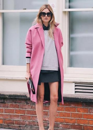 那年冬天风在吹 粉色大衣也可搭出帅气女人味