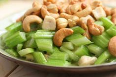 西芹腰果炒鸡丁的营养与做法