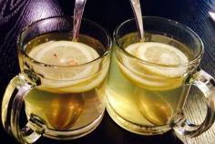 柠檬蜂蜜水的功效有哪些呢