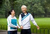 老年人冬季保养锻炼需注意哪些
