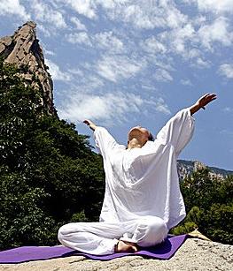 春天练习瑜伽的好处还有要注意哪些问题