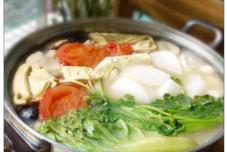 鱼头猪骨菇菌锅