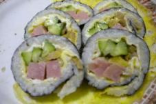 紫菜鸡肉寿司