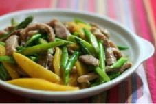 泰式芒果芦笋炒猪柳条