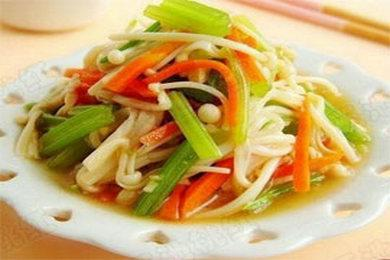 金针菇拌芹菜