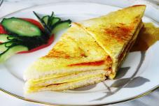 火腿奶酪三明治