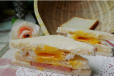 火腿蛋三明治