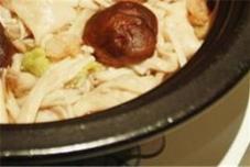 塔吉锅之三鲜菌菇锅