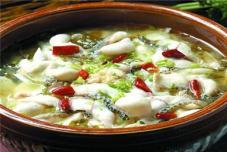 砂锅杂菇炖笋鸡