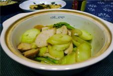 砂锅芥兰与杏鲍菇