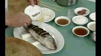 广东菜做法视频--清蒸鲈鱼的做法