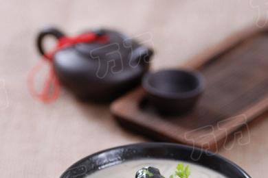 萝卜丝鲫鱼汤2