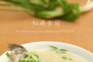 萝卜丝鲫鱼汤3
