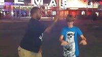 【豆小包】Justin Bieber 在LA街头与kenny跳舞