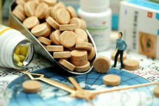 魏则西事件的药品尴尬:外国的进不来 国产的太贵