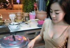 泰国小吃店的最美老板年 身材傲人秒杀模特