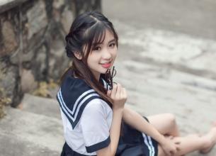 清纯校服女生 看见你的那一秒开始相信爱情
