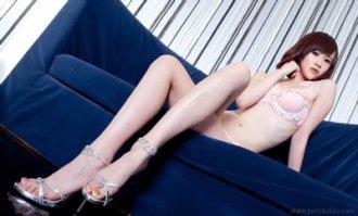 日本美女丝袜诱惑 你那么美我怎么舍得放过