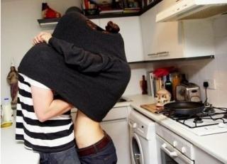 对于男女婚前成人性行为究竟该怎么正确分析