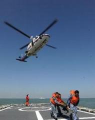 中国一渔船在东海沉没   1人死亡12人失联正全力搜救