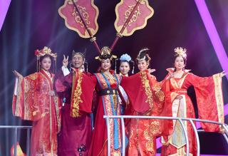 《王牌对王牌》刘晓庆搭档老戏骨看哭网友 老戏骨演技碾压众人