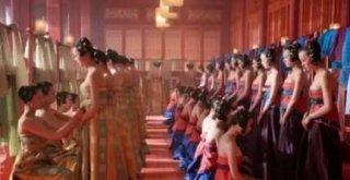 此皇帝为守住皇位,把三千宫女送到了日本人口里 最后结果惨不忍睹