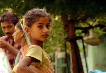 """在印度这些偏远地区 女孩子长得漂亮反而会被当作""""不详"""""""