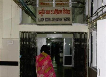 """印度少女被继父强奸终被""""违法""""堕胎 为何生母却央求释放丈兽父"""