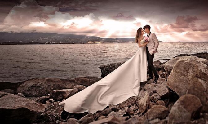 """""""死不了 我们就结婚"""",盘点国外各种不要命的结婚照"""