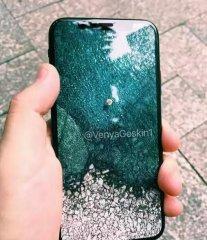 无home键全面屏你买吗?大神曝光iPhone 8的真机谍照!