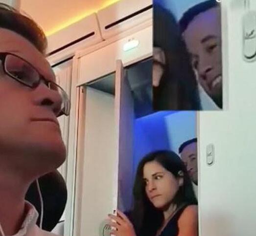 飞机惊现激情一幕:两男女从同一厕所走出,男子满足的神情亮了!