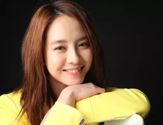 韩国评选最美十大女明星,赵丽颖登顶的理由真的没想到!