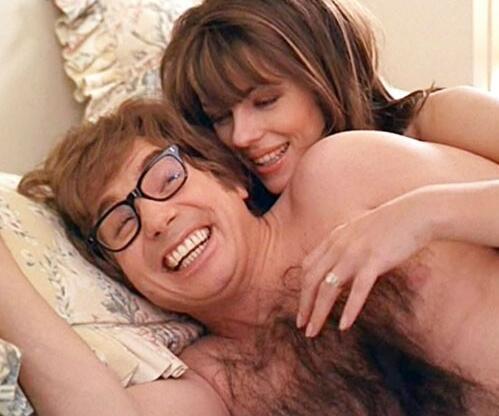 男人胸前的小毛让女人爱不释手,毛越多越受欢迎!