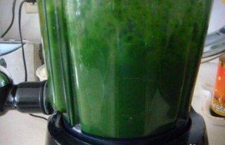 菠菜汁和面怎么取汁,有什么方法呢?