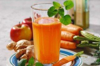 经常饮用这杯果蔬汁,对眼睛大有好处