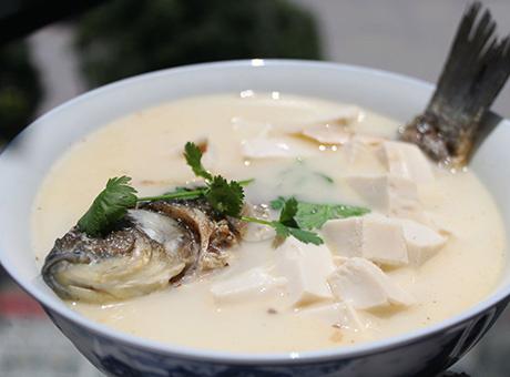 鲫鱼汤除了美味可口外还有那些营养价值?